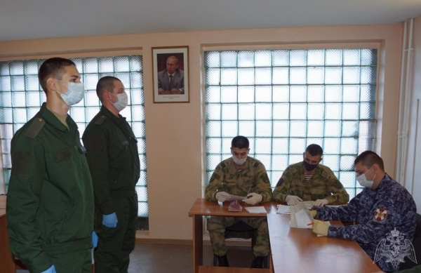 Липецкие призывники отправились служить в войска национальной гвардии России
